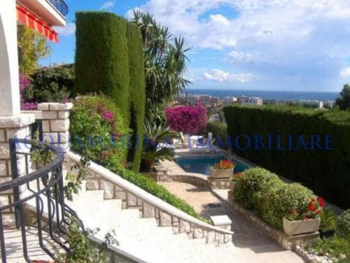 villa Antibes sale<br />4/5