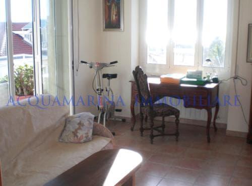 Sanremo Appartamento Vista Mare In Vendita<br />6/8