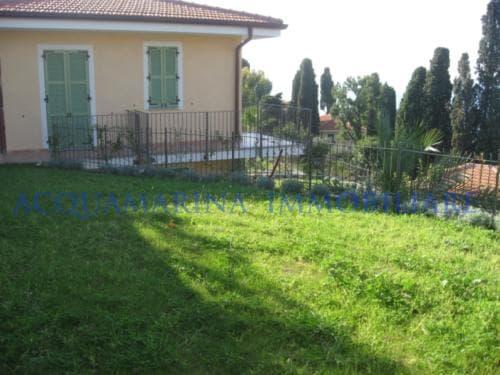 Bordighera Villa seaview for sale<br />4/5