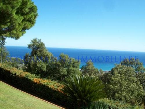 Pietra Ligure Villa seaview for sale<br />5/7