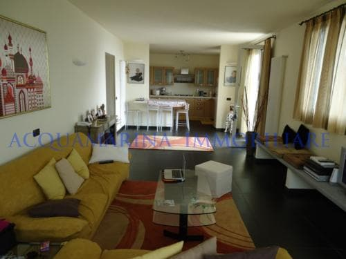 Vallecrosia Villa For Sale<br />4/12