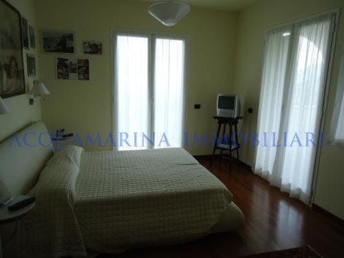 Vallecrosia Villa For Sale<br />6/12