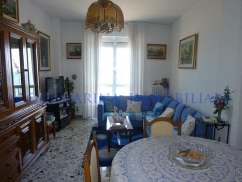 Vallecrosia Appartment for sale in front of beach<br />2/7