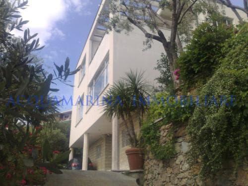 Bergeggi Villa For Sale Seaview<br />4/8