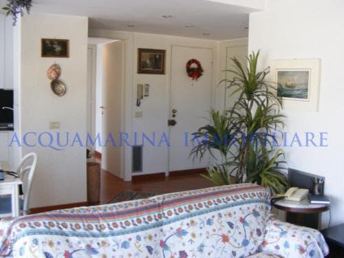 mentone apartment<br />6/8