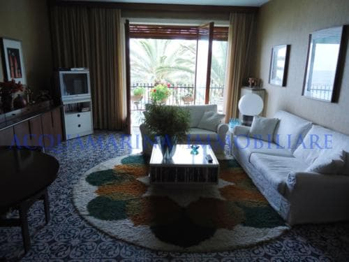 Ospedaletti Apartment Seaview For Sale<br />3/8
