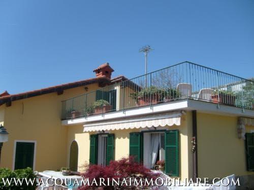 Villa For Sale Ospedaletti<br />2/8