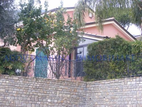 Ospedaletti villa for sale<br />3/8
