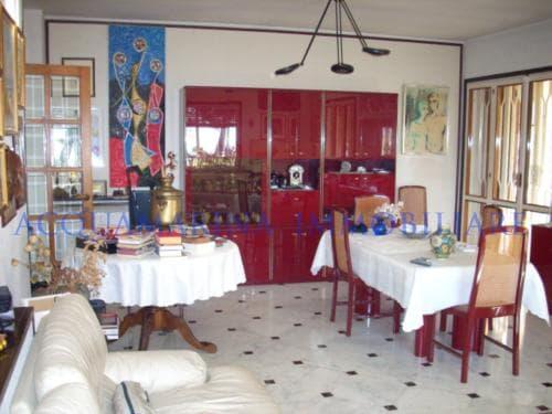 Vallecrosia Appartamento in vendita<br />4/8