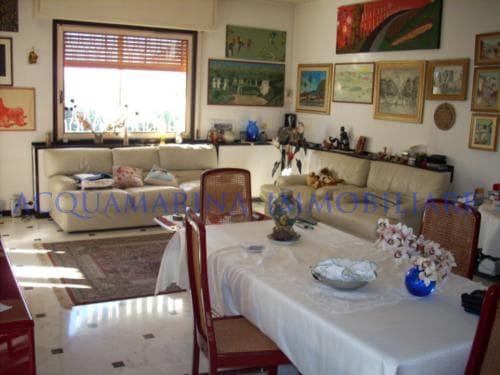Vallecrosia Appartamento in vendita<br />6/8