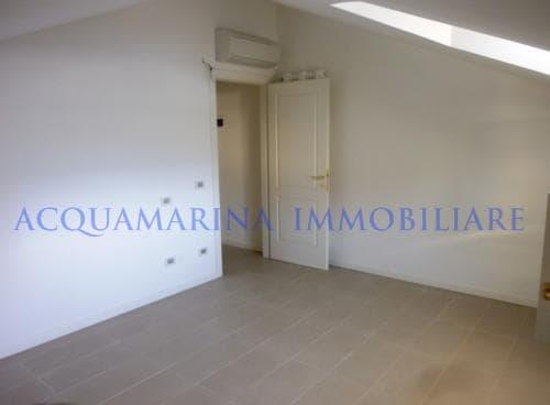 Bordighera appartamento vista mare in vendita<br />6/8