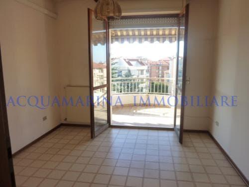 Ventimiglia appartamento in vendita<br />4/6