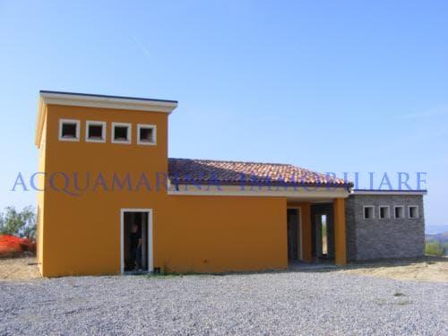 Vallebona villetta vista mare in vendita<br />4/4