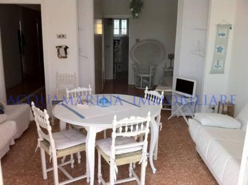 Vallecrosia,aparment front of the see for sale<br />2/6