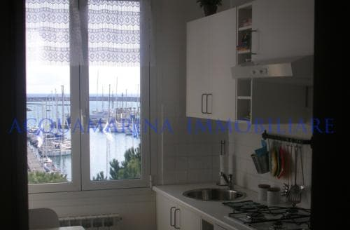 Imperia ,Penthouse in front of the sea<br />3/7
