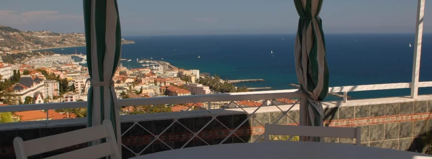 http://www.acquamarinaimmobiliare.com/immagini_immobili/th_slide/10145.jpg