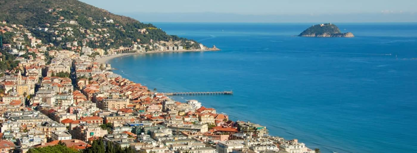 Sea View Villa in Alassio for sale
