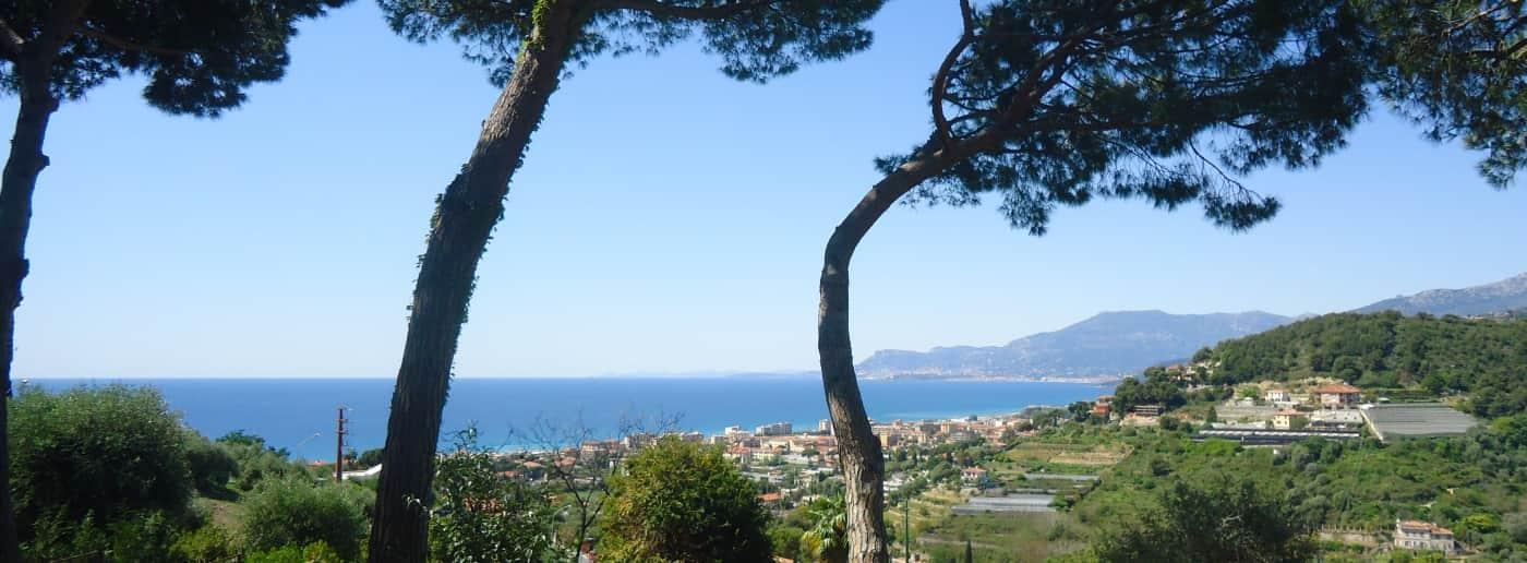 http://www.acquamarinaimmobiliare.com/immagini_immobili/th_slide/10601.jpg