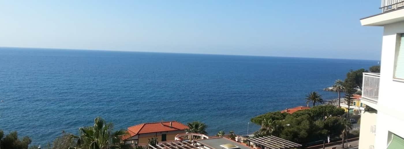 http://www.acquamarinaimmobiliare.com/immagini_immobili/th_slide/10821.jpg