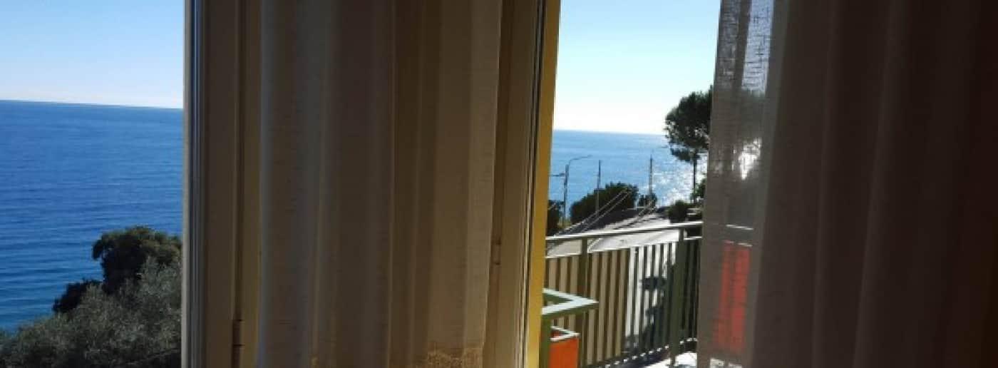 http://www.acquamarinaimmobiliare.com/immagini_immobili/th_slide/11200.jpg