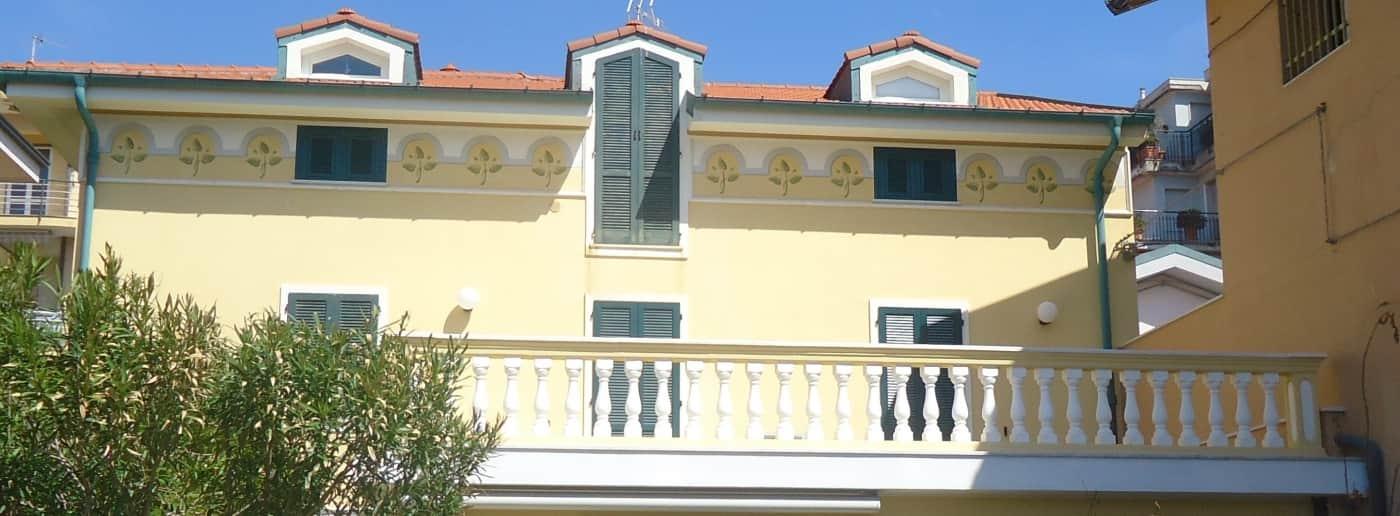 http://www.acquamarinaimmobiliare.com/immagini_immobili/th_slide/11305.jpg