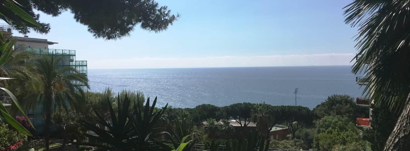 Квартира в Санремо с видом на море на продажу