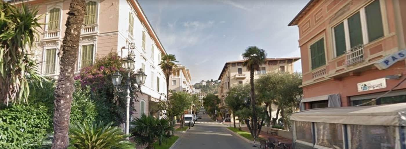http://www.acquamarinaimmobiliare.com/immagini_immobili/th_slide/11408.jpg