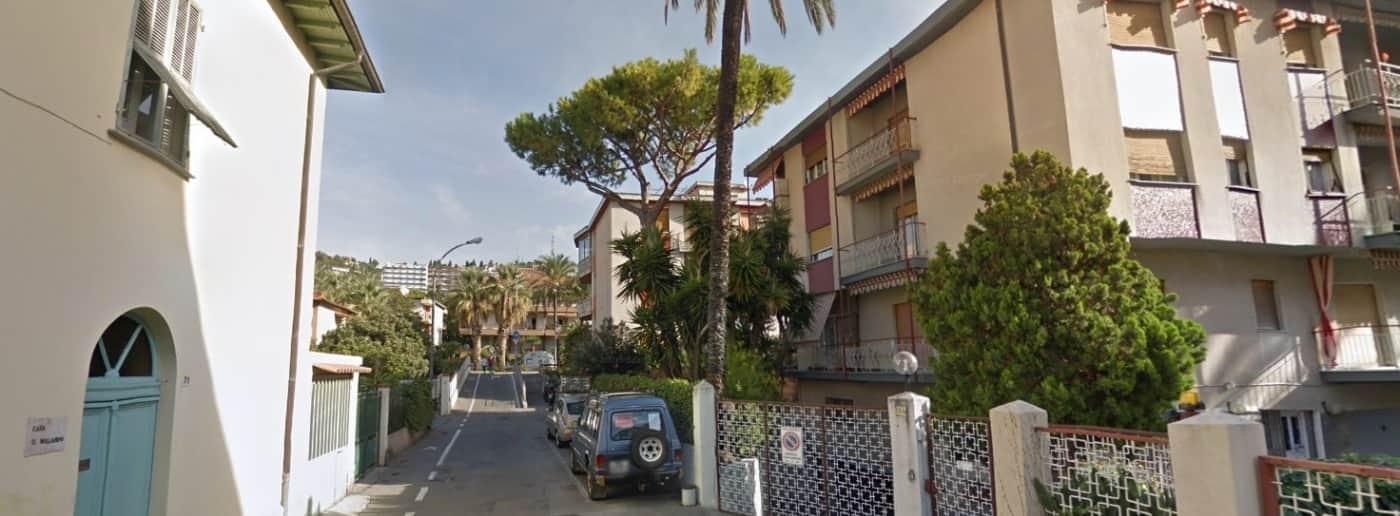 http://www.acquamarinaimmobiliare.com/immagini_immobili/th_slide/11450.jpg