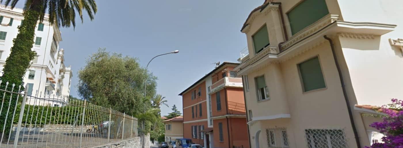 http://www.acquamarinaimmobiliare.com/immagini_immobili/th_slide/11451.jpg