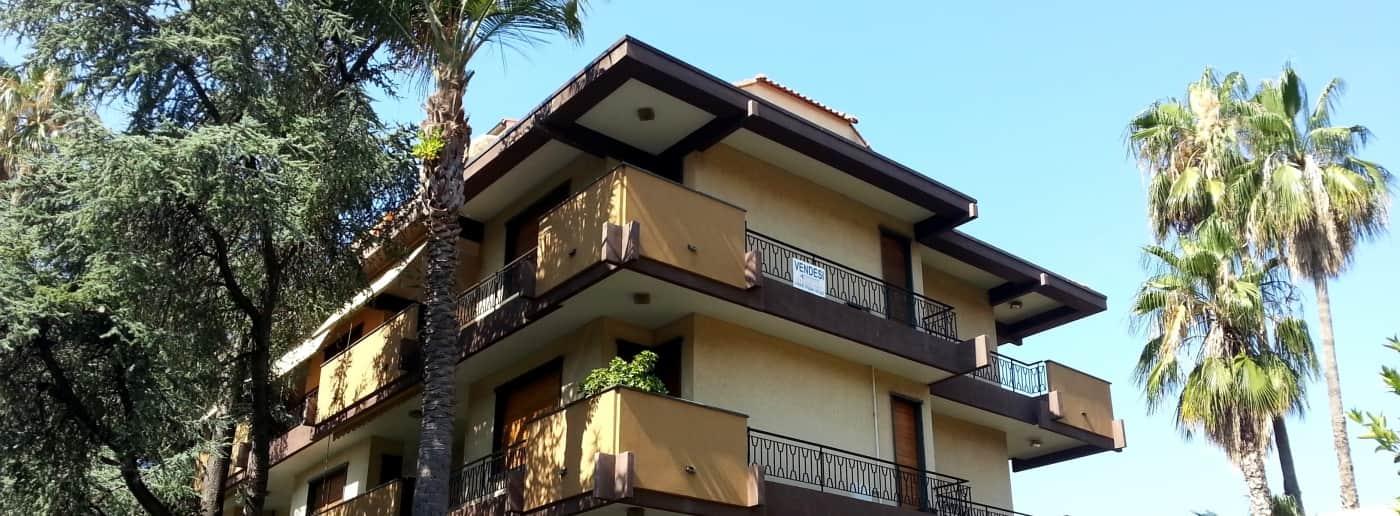 http://www.acquamarinaimmobiliare.com/immagini_immobili/th_slide/11455.jpg