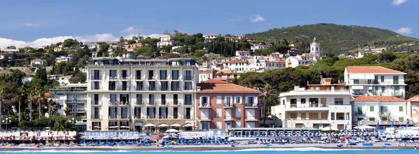 http://www.acquamarinaimmobiliare.com/immagini_immobili/th_slide/11464.jpg