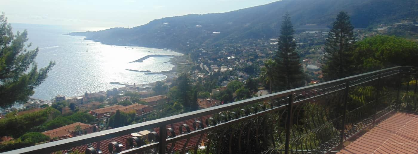 http://www.acquamarinaimmobiliare.com/immagini_immobili/th_slide/11517.jpg