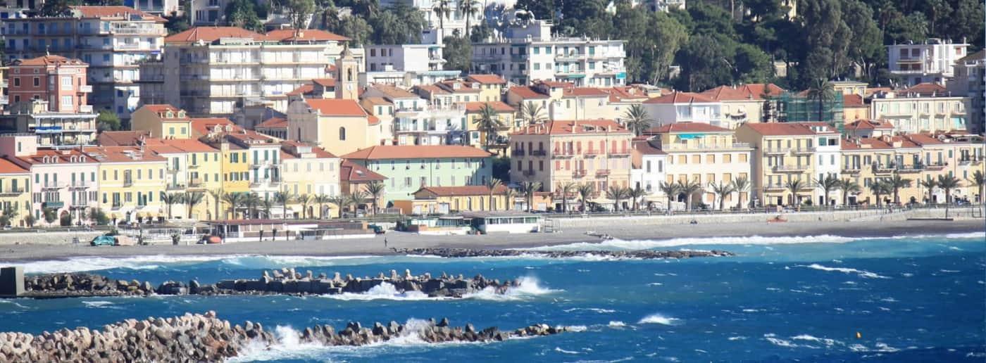 http://www.acquamarinaimmobiliare.com/immagini_immobili/th_slide/11567.jpg