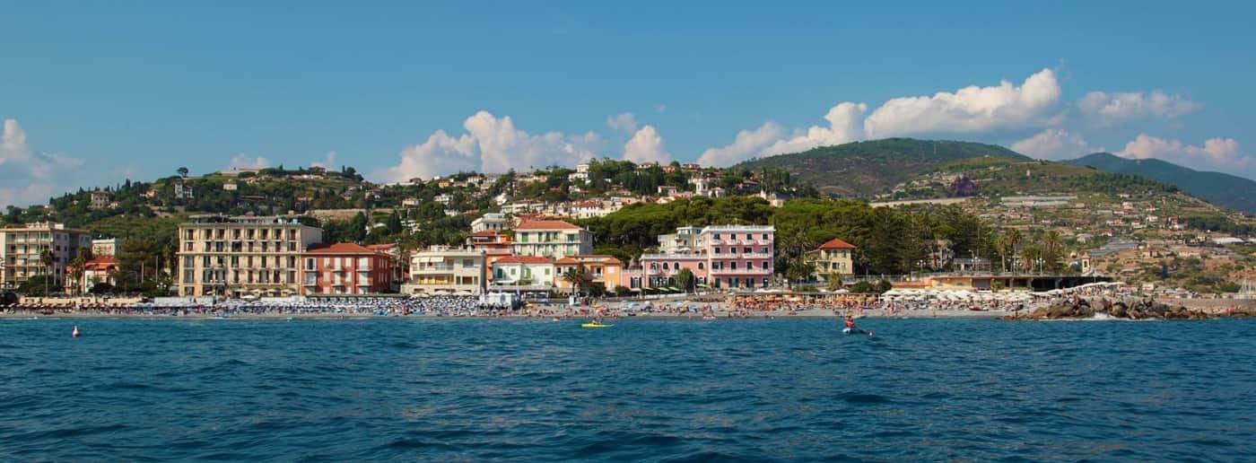 http://www.acquamarinaimmobiliare.com/immagini_immobili/th_slide/11575.jpg
