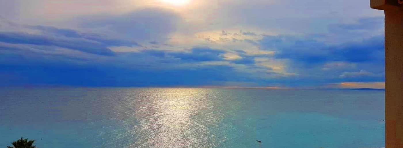 http://www.acquamarinaimmobiliare.com/immagini_immobili/th_slide/11611.jpg