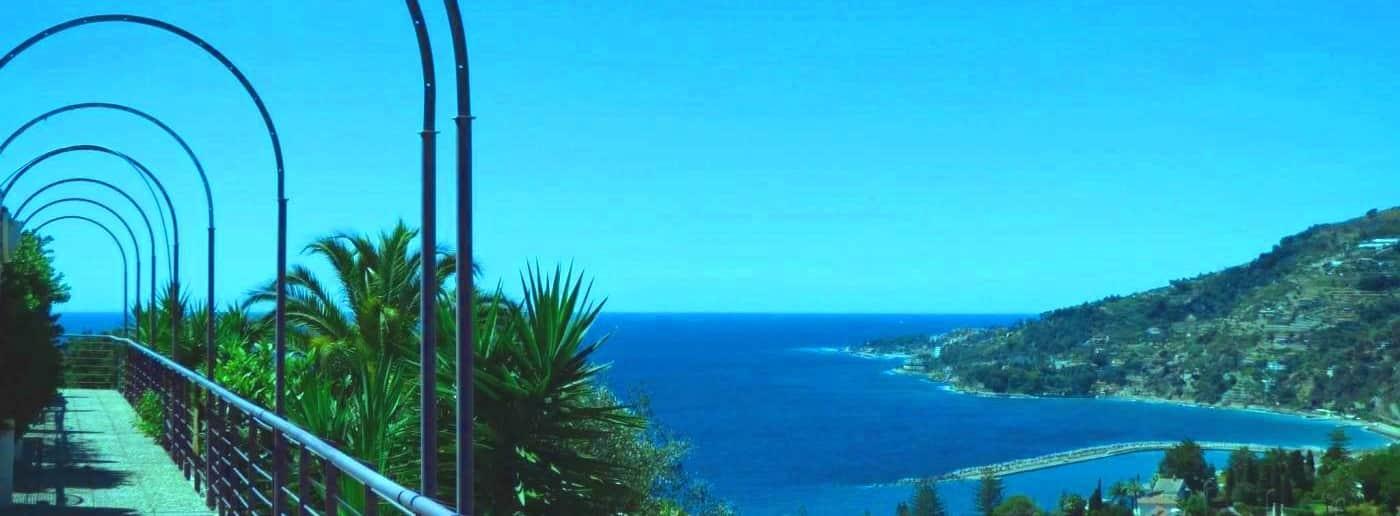 http://www.acquamarinaimmobiliare.com/immagini_immobili/th_slide/11632.jpg