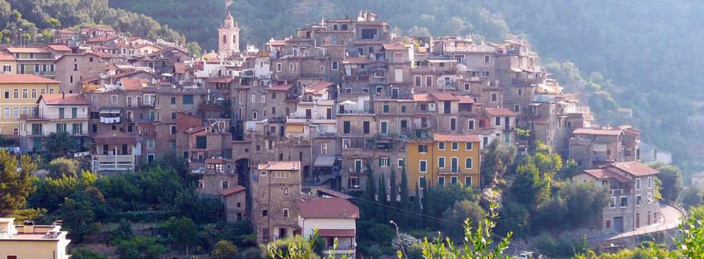 http://www.acquamarinaimmobiliare.com/immagini_immobili/th_slide/11635.jpg