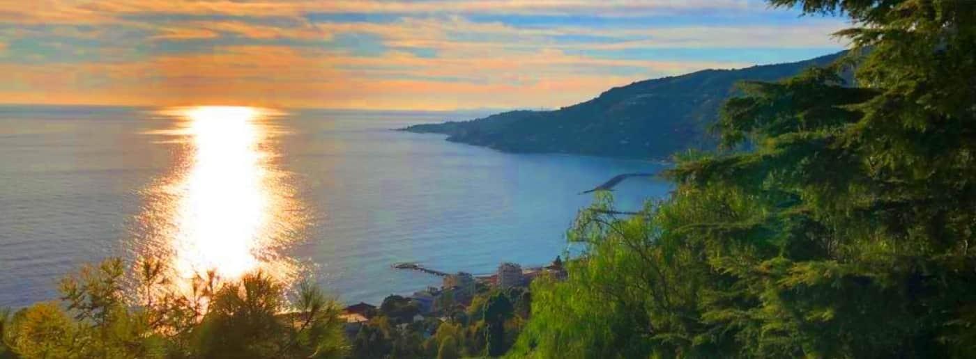 http://www.acquamarinaimmobiliare.com/immagini_immobili/th_slide/11646.jpg