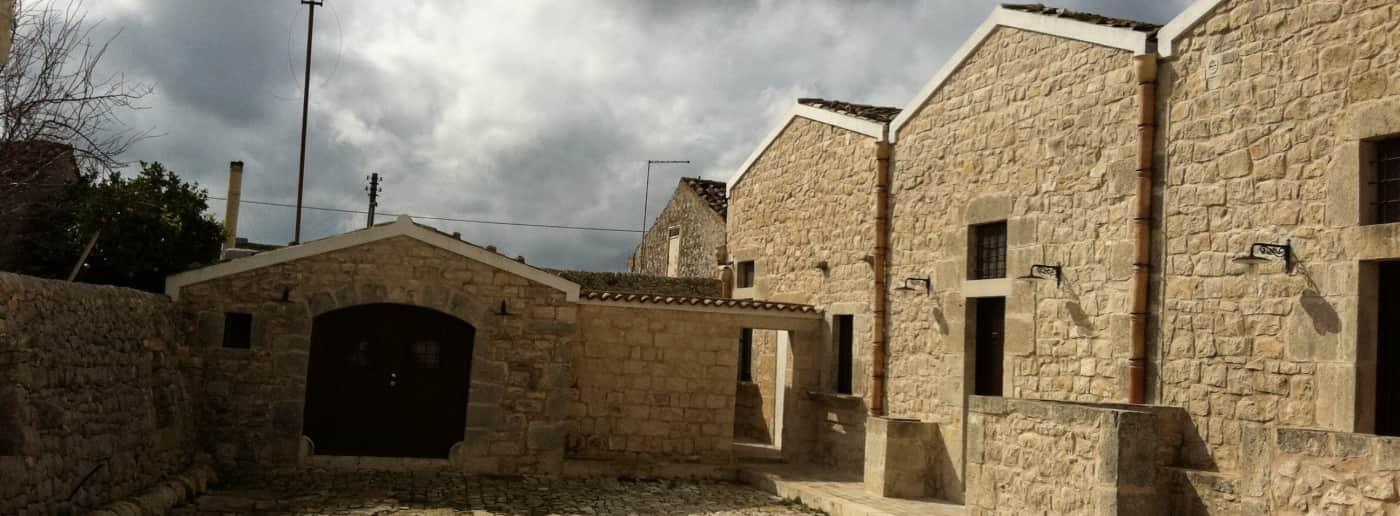 http://www.acquamarinaimmobiliare.com/immagini_immobili/th_slide/11663.jpg