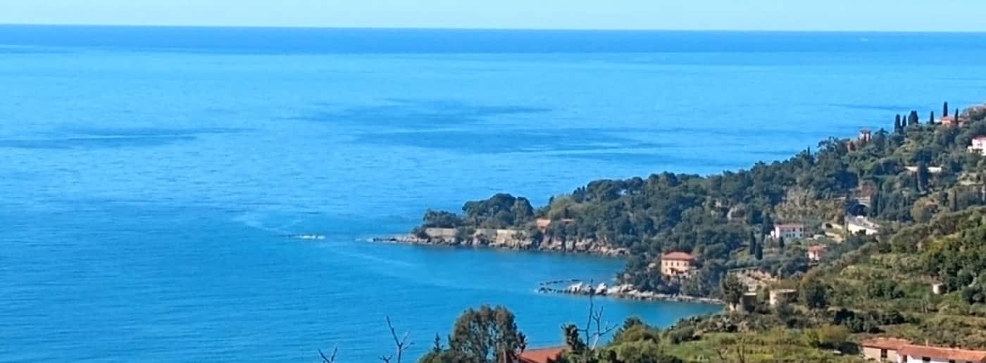 http://www.acquamarinaimmobiliare.com/immagini_immobili/th_slide/11686.jpg