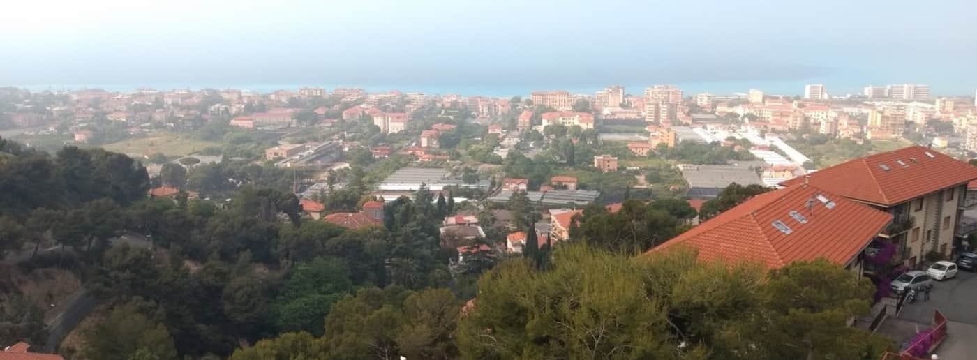 http://www.acquamarinaimmobiliare.com/immagini_immobili/th_slide/11756.jpg