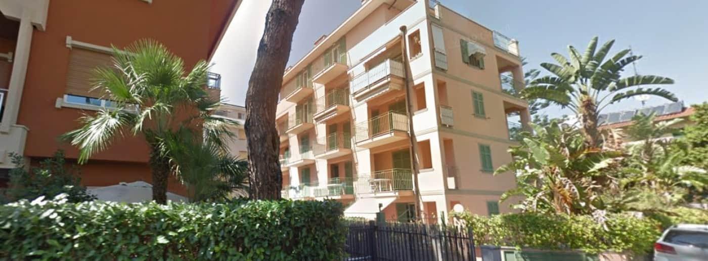 http://www.acquamarinaimmobiliare.com/immagini_immobili/th_slide/6102.jpg