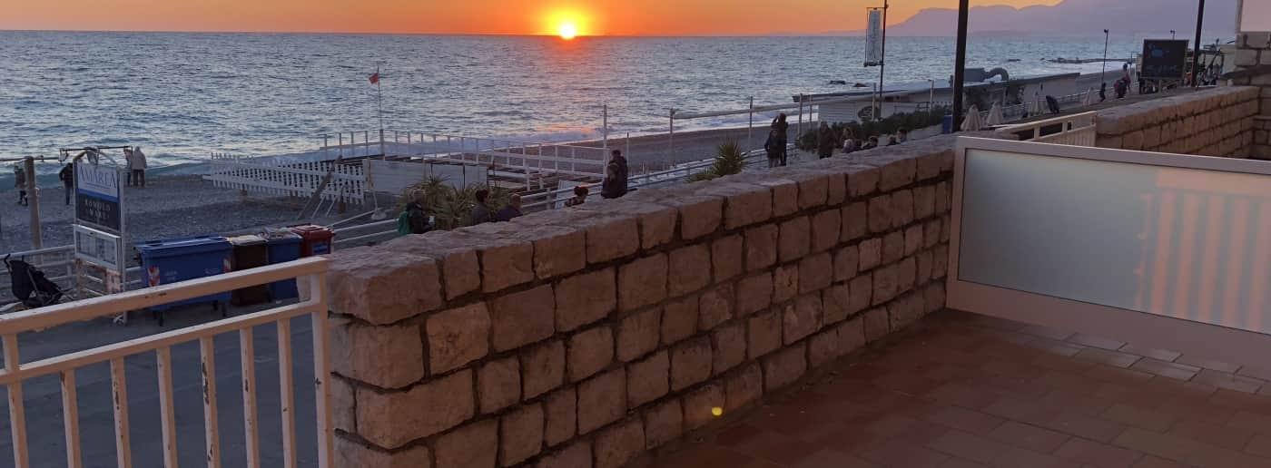 http://www.acquamarinaimmobiliare.com/immagini_immobili/th_slide/657.jpg