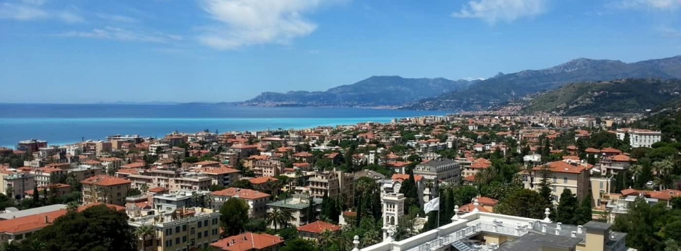 http://www.acquamarinaimmobiliare.com/immagini_immobili/th_slide/9027.jpg