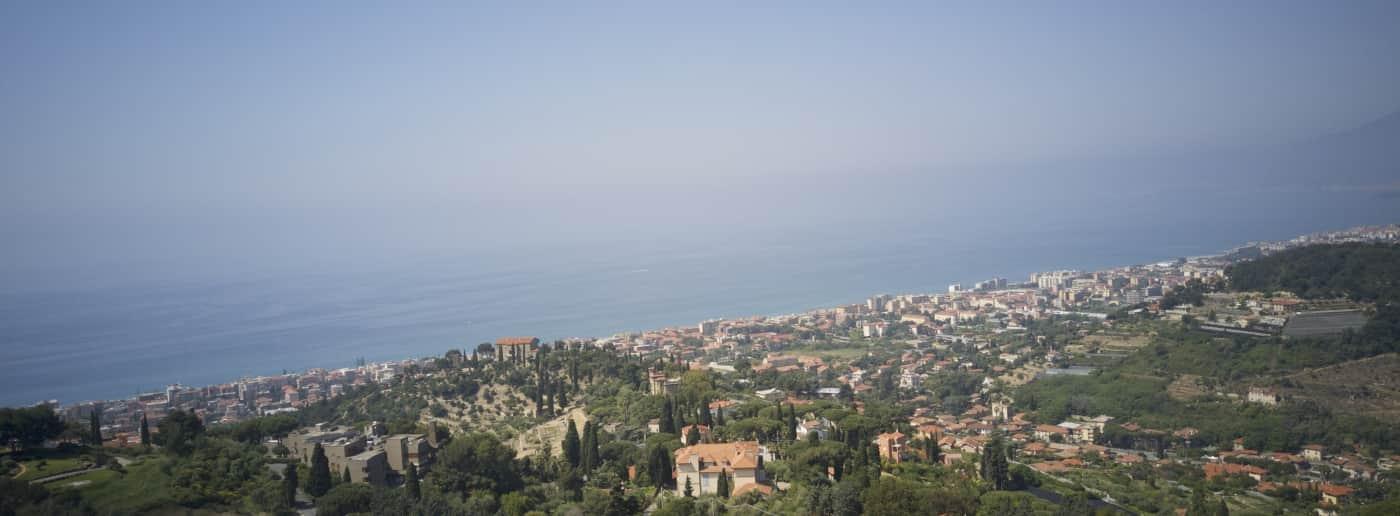 http://www.acquamarinaimmobiliare.com/immagini_immobili/th_slide/9351.jpg