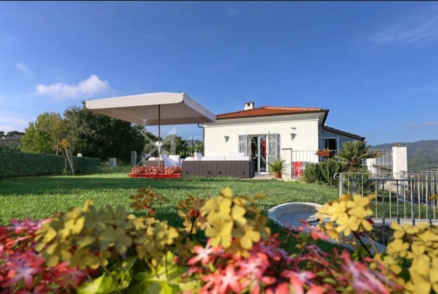 San Bertolomeo al Mare Villa in Vendita<br />1/17