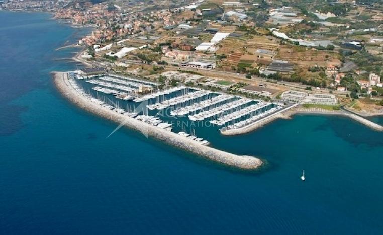 Santo Stefano al Mare berth For Sale<br />1/2