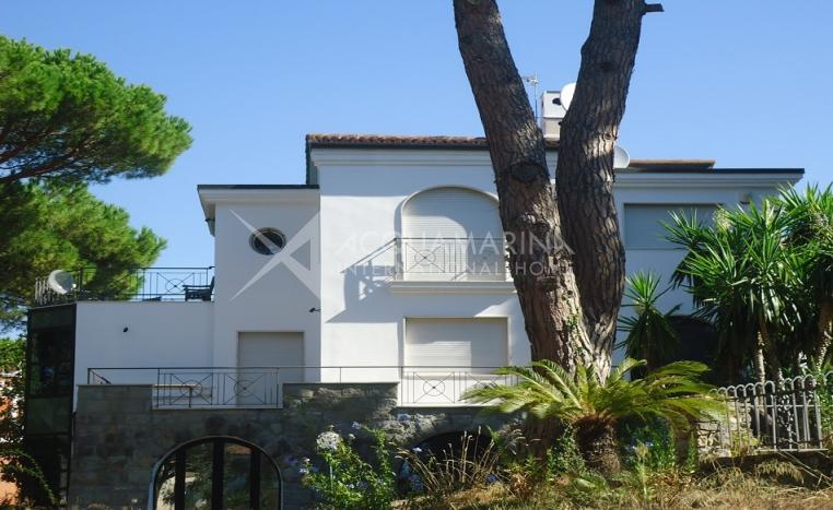 Bordighera villa for sale sea view<br />1/17