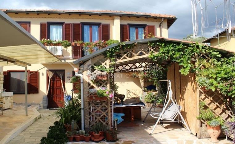 sanremo villa seaview for sale<br />1/15