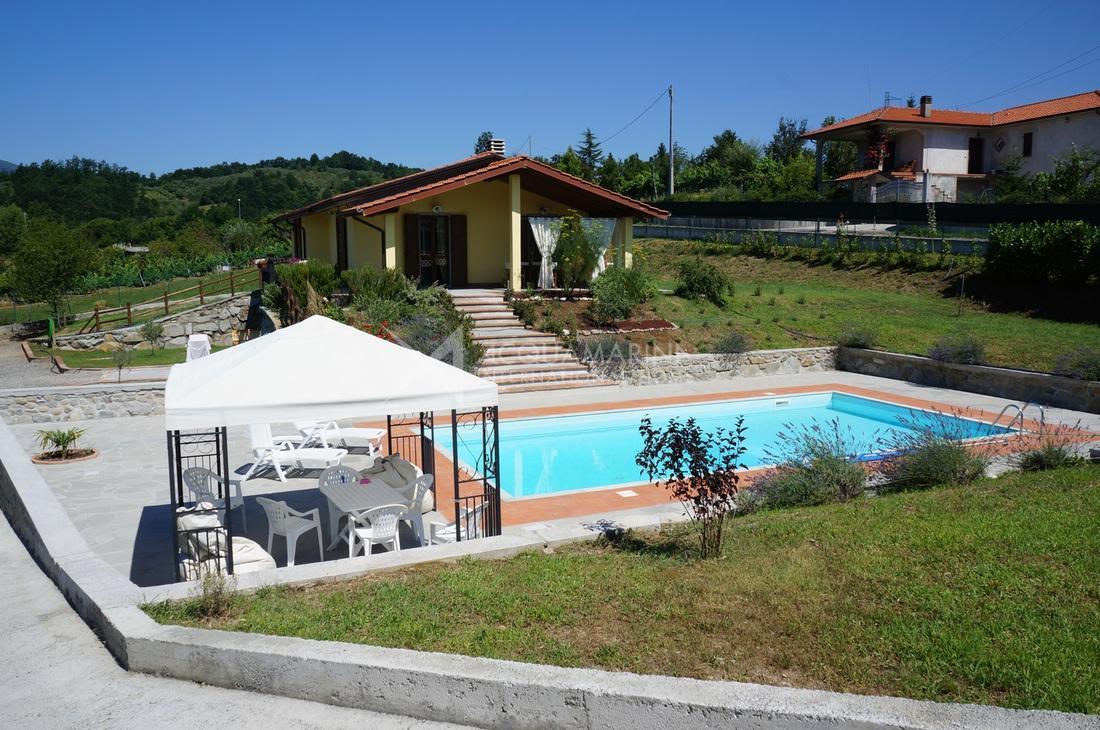 Fornoli Villa in vendita <br />1/13